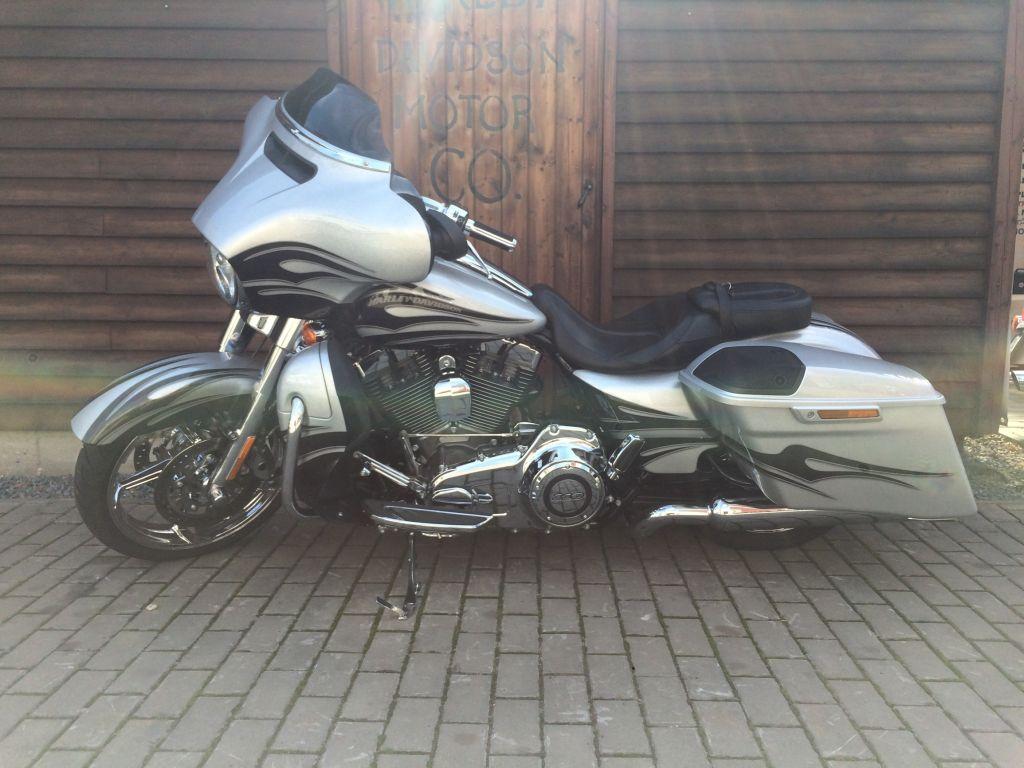 dfa453550efa17 Bazar motocyklů - Harley-Davidson® Praha