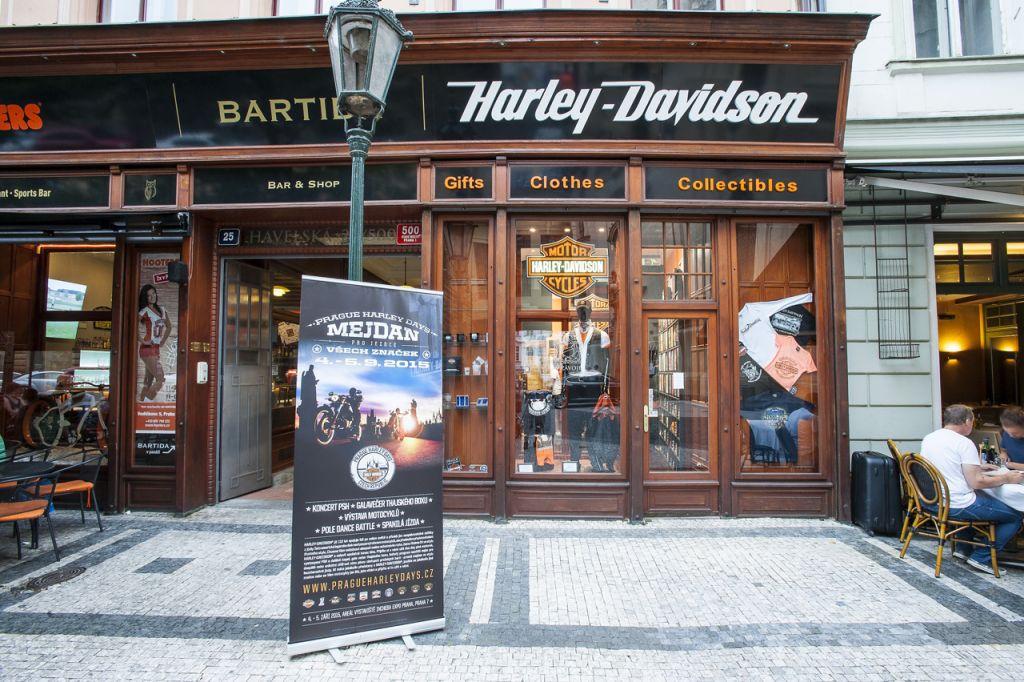 harley davidson downtown shop prague harley davidson praha. Black Bedroom Furniture Sets. Home Design Ideas